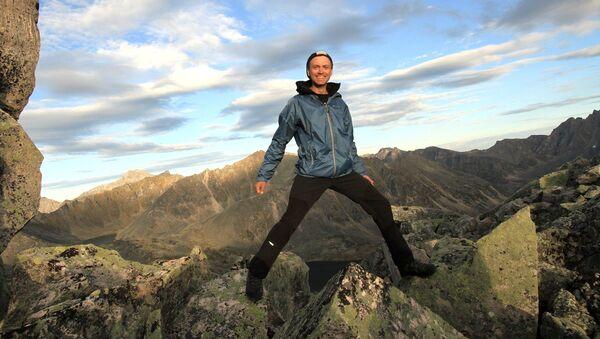 Вячеслав Киплюкс в горах - Sputnik Таджикистан