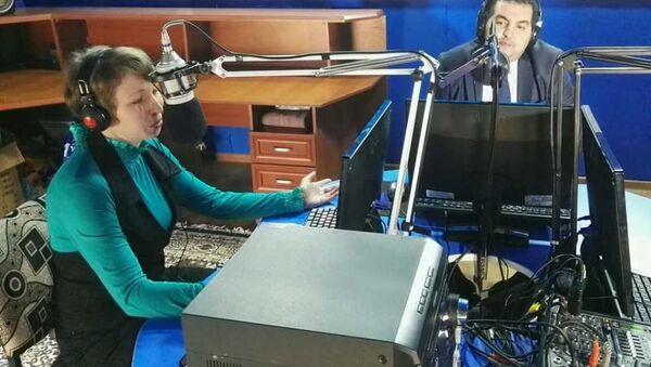 Радиоведущие Андрей Овчаренко и Юлия Вареха - Sputnik Таджикистан