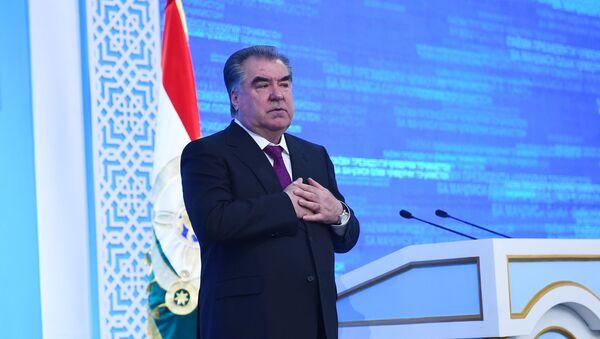 Президент Таджикистана Эмомали Рахмон в обращении к Парламенту - Sputnik Тоҷикистон
