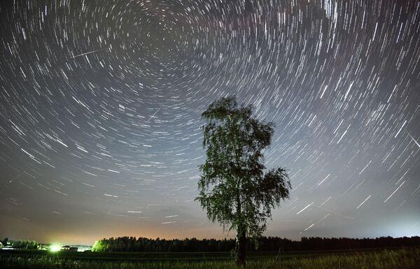 Метеорный поток Персеиды, архивное фото - Sputnik Таджикистан