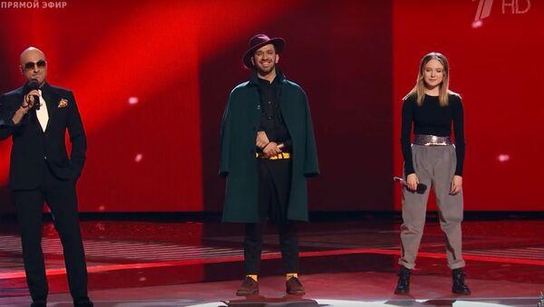 Даниель Рустамов в полуфинале шоу Голос - Sputnik Таджикистан