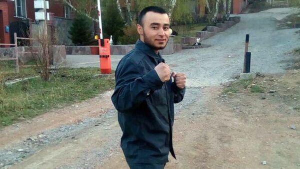 Гражданин Узбекистана Аламафруз Абдуллаев, спасший 8 человек в Магнитогорске - Sputnik Тоҷикистон