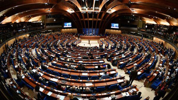 Делегаты в зале на пленарном заседании зимней сессии Парламентской ассамблеи Совета Европы (ПАСЕ) - Sputnik Таджикистан