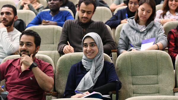 Иностранные студенты во время лекции на кафедре паталогической анатомии имени академика А.И. Струкова - Sputnik Таджикистан