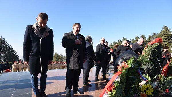 Торжественный митинг, посвященный 75-летию снятия блокады Ленинграда - Sputnik Таджикистан