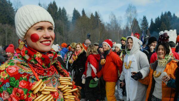 Масленичные гулянья и проводы зимы - Sputnik Таджикистан