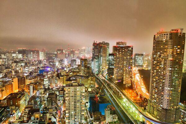 Город Токио ночью, архивное фото - Sputnik Таджикистан