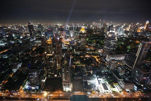 Вид с небоскреба на ночной Бангкок - Sputnik Таджикистан