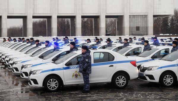 Передача новых автомобилей сотрудникам Росгвардии - Sputnik Тоҷикистон