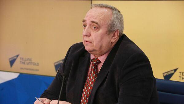 Первый заместитель председателя Комитета Совета Федерации по обороне и безопасности Франц Клинцевич - Sputnik Таджикистан