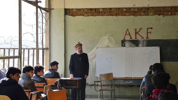 В учебной аудитории Кабульского политехнического института - Sputnik Таджикистан