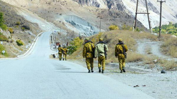 Пограничники на таджикско-афганской границе - Sputnik Тоҷикистон