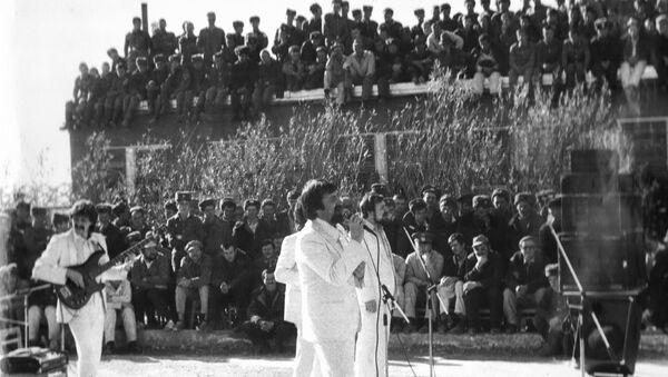 Сябры, концерт в Шинданде, Афганистан, 1985 - Sputnik Таджикистан