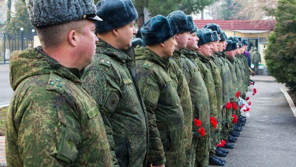 Военные 201-й РВБ почтили память воинов, архивное фото - Sputnik Таджикистан
