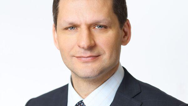 Директор Проектного офиса по повышению качества образования, международному сотрудничеству и администрированию проектов Госкорпорации Росатом Валерий Карезин - Sputnik Таджикистан