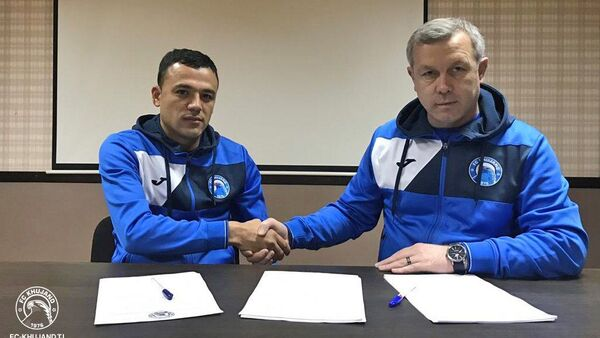 29-летний нападающий национальной сборной Кыргызстана Турсунали Рустамов подписал контракт с вице-чемпионом Таджикистана футбольным клубом Худжанд - Sputnik Таджикистан