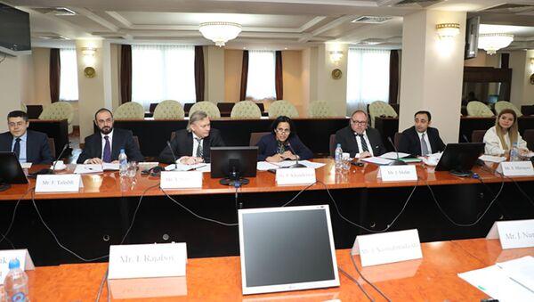 Встреча представителей МВФ с руководством Нацбанка  - Sputnik Тоҷикистон