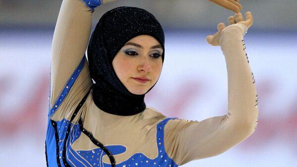 Спортсменка из ОАЭ Захра Лари на Кубке Европы по фигурному катанию в Канацеи - Sputnik Таджикистан