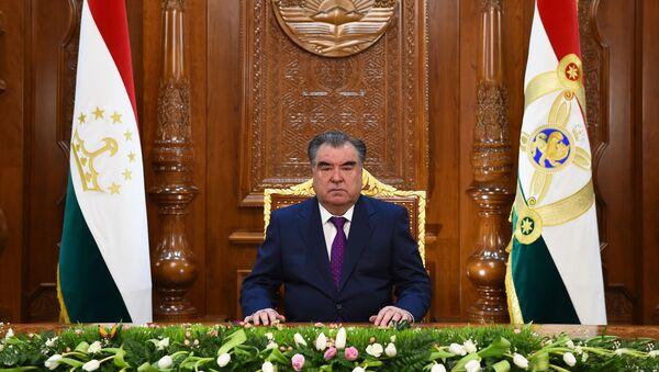 Президент Таджикистана поздравил женщин с Днем матери - Sputnik Таджикистан