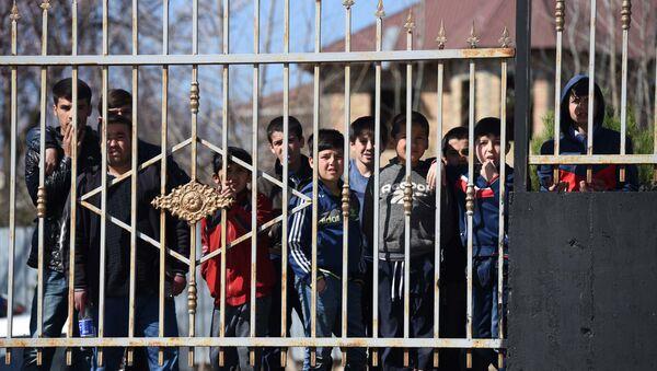 Таджикские мальчики, архивное фото - Sputnik Таджикистан