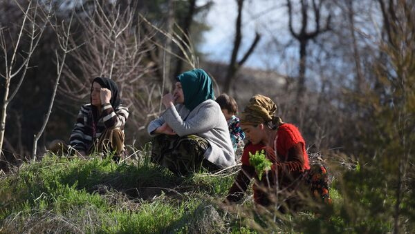 Жительницы Таджикистана, архивное фото - Sputnik Таджикистан