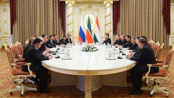 Президент Татарстана Рустам Минниханов встретился с президентом Таджикистана Эмомали Рахмоном - Sputnik Тоҷикистон