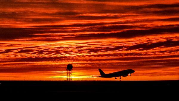 Взлет самолета, архивное фото - Sputnik Таджикистан