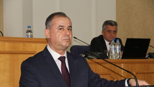Парламент Таджикистана одобрил поправки в Налоговый и Таможенный кодексы - Sputnik Таджикистан