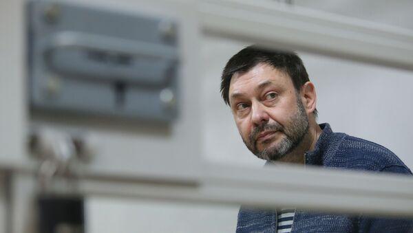 Рассмотрение жалобы на продление ареста К. Вышинскому - Sputnik Таджикистан