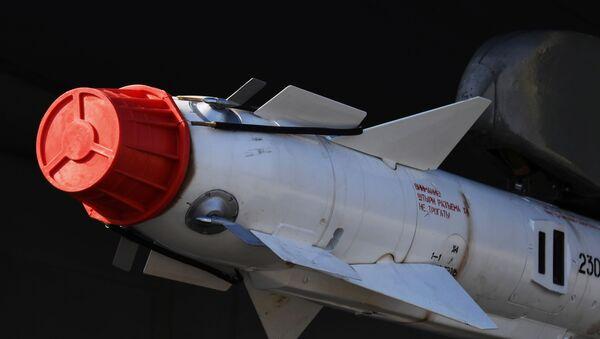 Управляемая ракета класса воздух-воздух малого радиуса действия Р-73 - Sputnik Таджикистан
