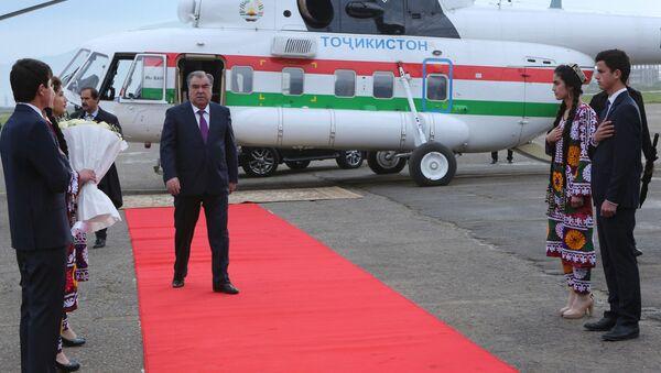 Президент Таджикисана в Бохтаре Хатлонской области - Sputnik Тоҷикистон