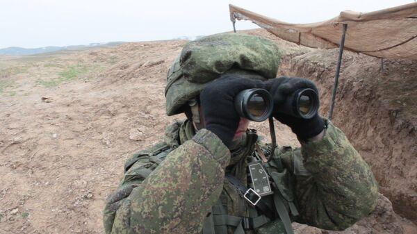 Российские мотострелки уничтожили условные террористические группы на учениях в Таджикистане - Sputnik Таджикистан