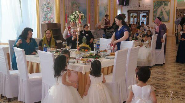 Гости на узбекской свадьбе - Sputnik Таджикистан
