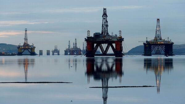 Нефтяные платформы в Шотландии - Sputnik Тоҷикистон