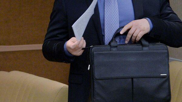 Портфель с документами - Sputnik Таджикистан