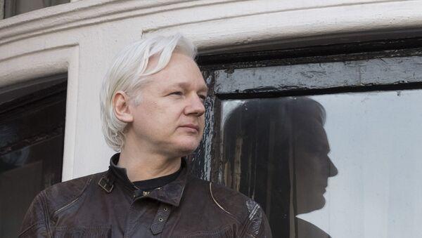 Сооснователь WikiLeaks Джулиан Ассанж - Sputnik Таджикистан