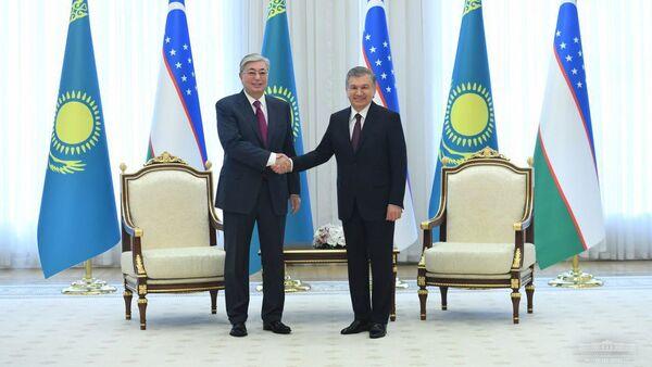 Президент Республики Узбекистан Шавкат Мирзиеев и Президент Республики Казахстан Касым-Жомарт Токаев  - Sputnik Таджикистан
