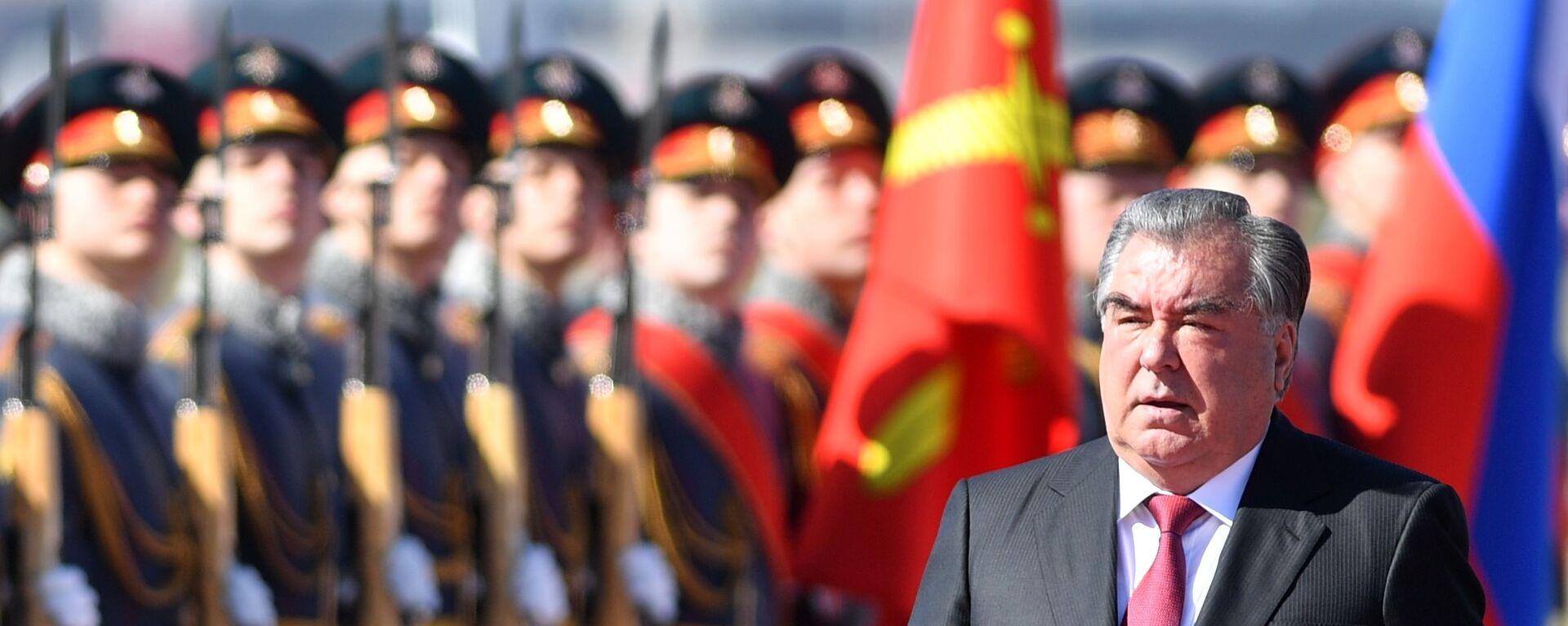 Прилет президента Таджикистана Эмомали Рахмона в Москву - Sputnik Таджикистан, 1920, 05.05.2021
