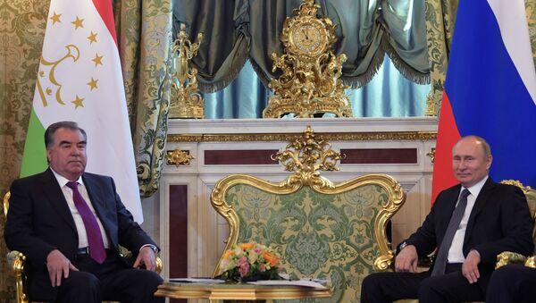 Президент РФ В. Путин встретился с президентом Таджикистана Э. Рахмон - Sputnik Тоҷикистон