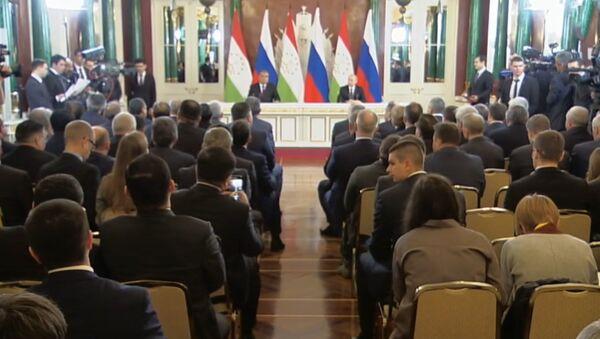 LIVE_Спутник: Совместное заявление для прессы Путина и Эмомали Рахмона - Sputnik Тоҷикистон