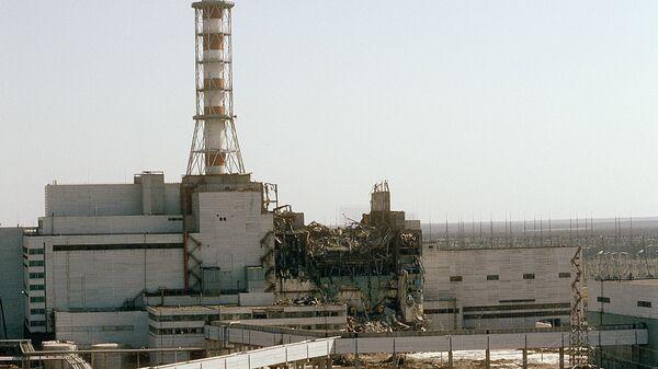 Вид на Чернобыльскую АЭС со стороны четвертого реактора, 1986 год - Sputnik Таджикистан