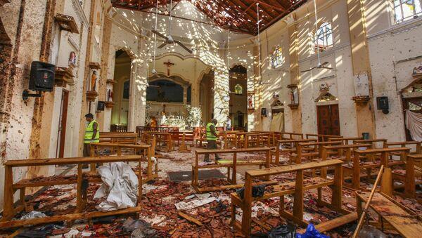 На месте взрыва в церкви Святого Себастьяна в Негомбо, Шри-Ланка - Sputnik Таджикистан