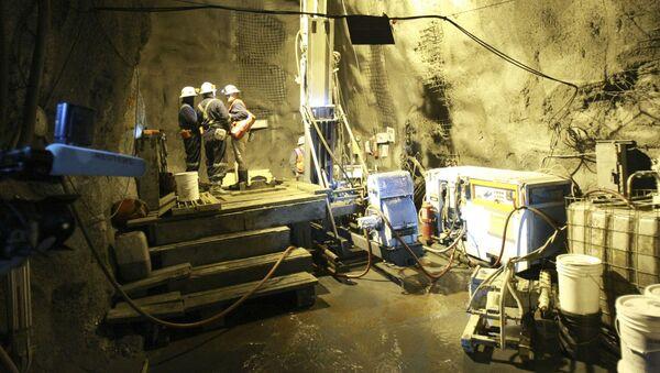 Золотоносный рудник Кумтор в Киргизии - Sputnik Таджикистан