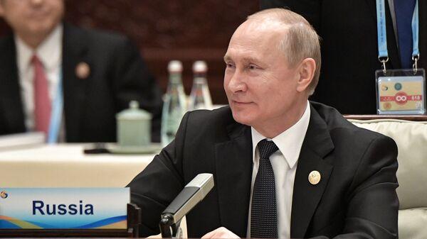 Президент России Владимир Путин - Sputnik Таджикистан