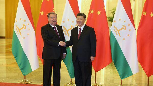 Встреча главы Таджикистана Эмомали Рахмон и председателя КНР Си Цзиньпина - Sputnik Таджикистан