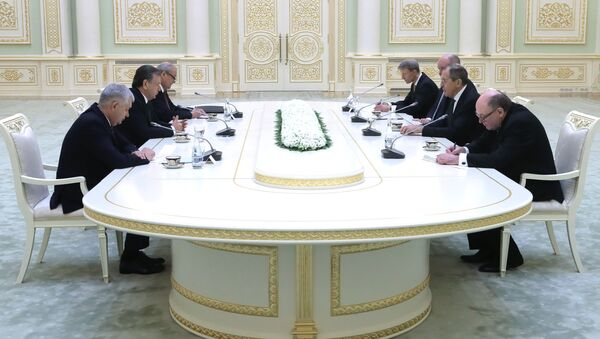 Министр иностранных дел РФ Сергей Лавров и президент Узбекистана Шавкат Мирзиёев - Sputnik Таджикистан