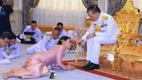 Свадебная церемония короля Таиланда Махи Вачиралонгкорна и его невесты  - Sputnik Тоҷикистон