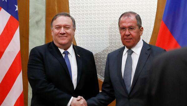 Госсекретарь США Майк Помпео и министр иностранных дел Сергей Иванов - Sputnik Таджикистан