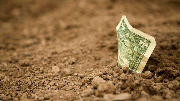 Доллар на земле - Sputnik Таджикистан