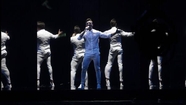 Сергей Лазарев из России выступает на конкурсе песни Евровидение 2019 - Sputnik Таджикистан